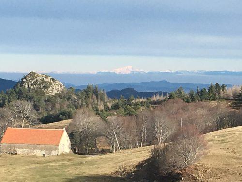 Mont Blanc in ca. 150 km (!!) Entfernung, Luftlinie.